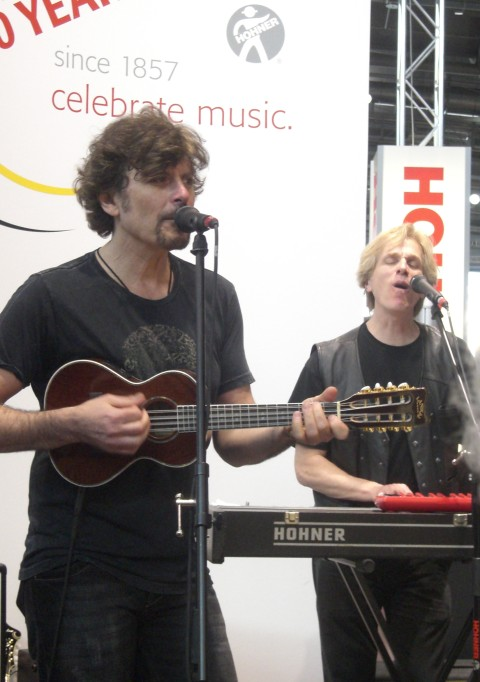 Eric Bazilian and Rob Hyman (The Hooters) live at the Musikmesse in Frankfurt