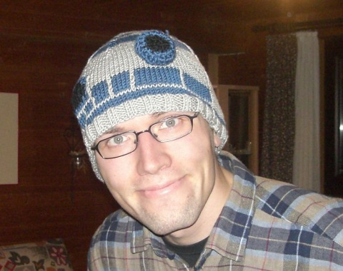 Jutze with R2D2 beanie