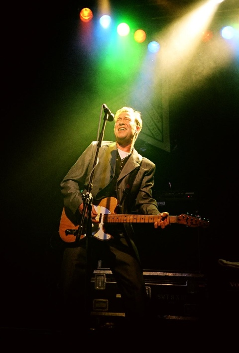 John Lilley (The Hooters) live in Augsburg (22. Juni 2005)